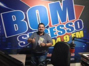 entrevista na rádio