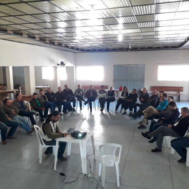Reunião para apresentação do PACUERA da UHE Barra do Rio Chapéu - ELETROSUL.